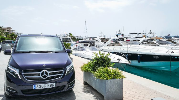 Mercedes Classe V in affitto a Ibiza